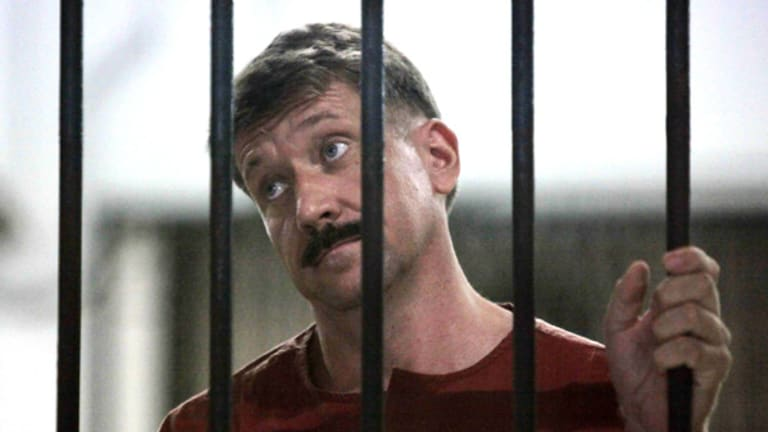 Suspected Russian arms dealer Viktor Bout waits in a holding cell after arriving for an extradition hearing at the criminal courthouse in Bangkok in April.