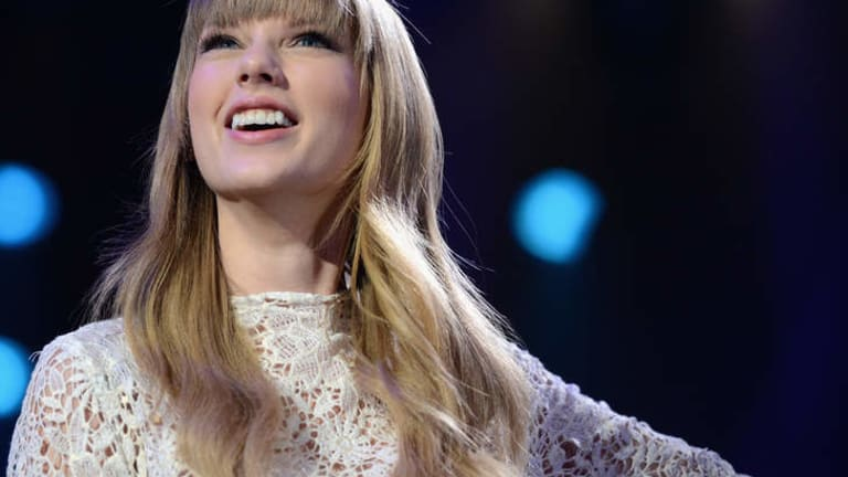 Taylor Swift would make a great feminist, according to some US fans.