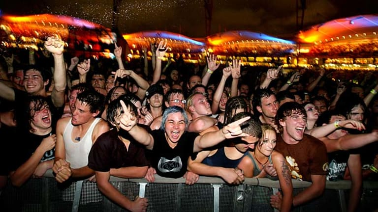 The crowd during Tool at Big Day Out 2007.