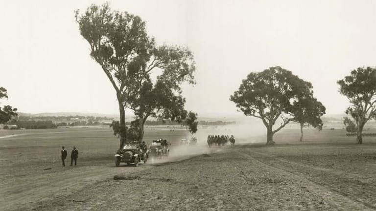 Lady Denman and entourage arrive at Kurrajong (Capital Hill) on March 12, 1913.