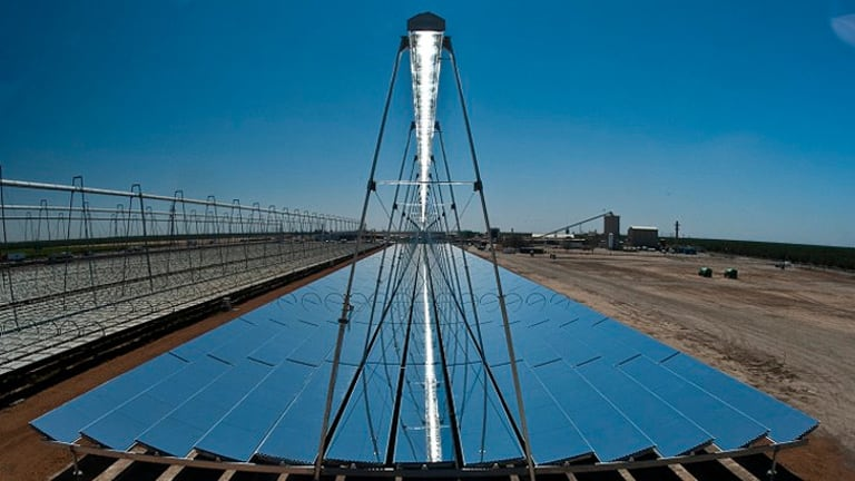 The new LNP government plans to pull funding for the Solar Dawn solar research and power plant at Chinchilla.
