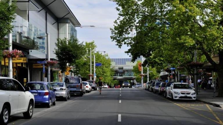 Bunda Street, Civic.