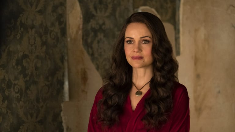 Carla Gugino as Olivia Crain in The Haunting of Hill House.