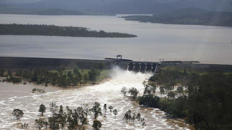 Wivenhoe Dam Brisbane byline Dean Saffron