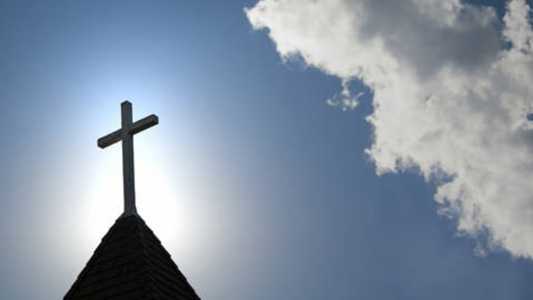 The Anglican and Uniting churches and the Salvation Army want the federal government to extend compensation for child sex abuse victims to convicted criminals.