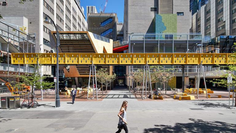 Melbourne's RMIT is offering a blockchain short-course.