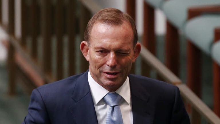Former prime minister Tony Abbott says Malcolm Turnbull needs to explain why the Coalition is trailing Labor in the opinion polls.