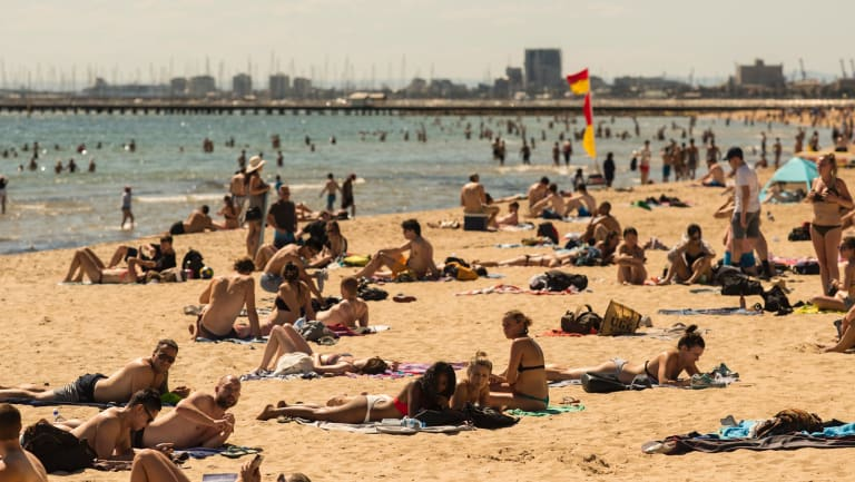 Temperatures in the high 30s will see Melbourne beaches packed as people try to escape the heat.