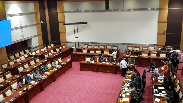 Facebook executives including Indonesia Public Policy chief Ruben Hattari and Asia-Pacific Public Policy chief Simon Milner (on left) face questions from a hostile Indonesian Parliamentary committee.