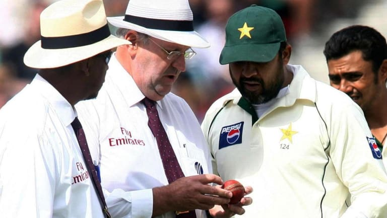 Chequered history: Umpires Billy Doctrove and Darrell Hair examine the match ball with Pakistan captain Inzamam-ul-Haq during the fourth Test at the Oval in 2006. Pakistan forfeited the match to England in protest against allegations over ball tampering.
