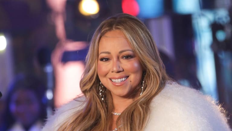 Mariah Carey has revealed she suffers from bipolar disorder.