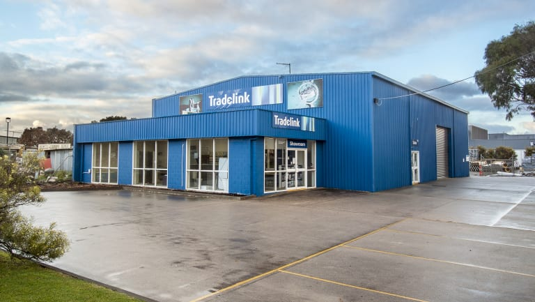A showroom/warehouse leased to Tradelink at 11 Henry Wilson Drive has sold for $1.15 million on a strong passing yield of 5.63 per cent.