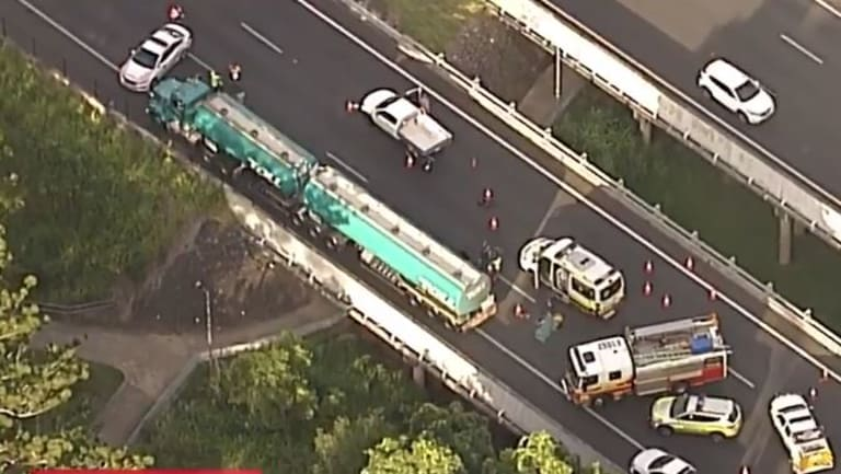 A 25-year-old man died in the multi-vehicle crash on the Bruce Highway.