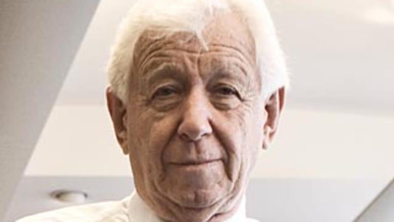 Westfield chairman Frank Lowy supports Unibail's bid.