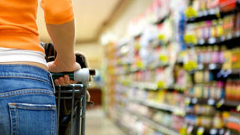 Larger retailers in regional Queensland towns will be able to open on Easter Saturday, with a drafting error to a bill to be fixed before the end of March.