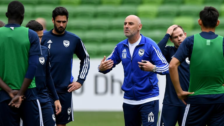 Kevin Muscat instructs the Victory players ahead of their Champions League match.