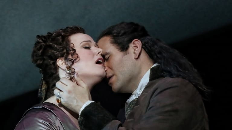 Jessica Pratt and Michael Fabiano in Opera Australia's 2018 production of Lucia di Lammermoor at the Sydney Opera House.