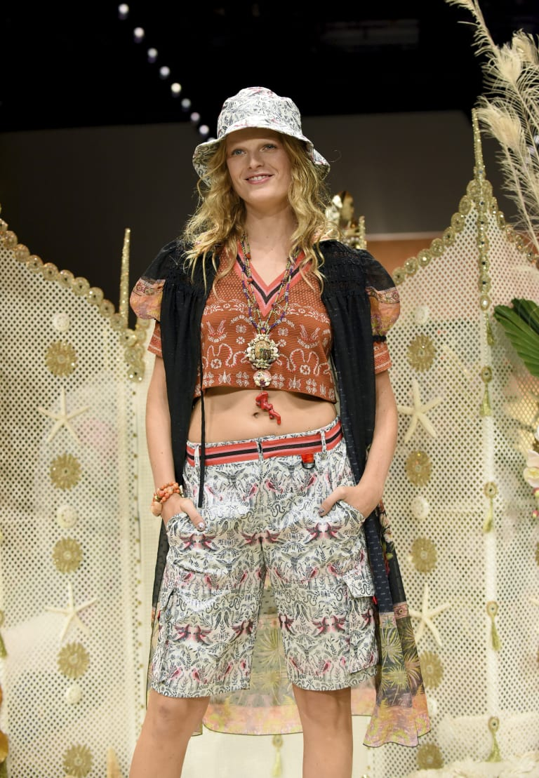 Shells and a bucket hat ... perfect for the royals' stop on Fraser Island.