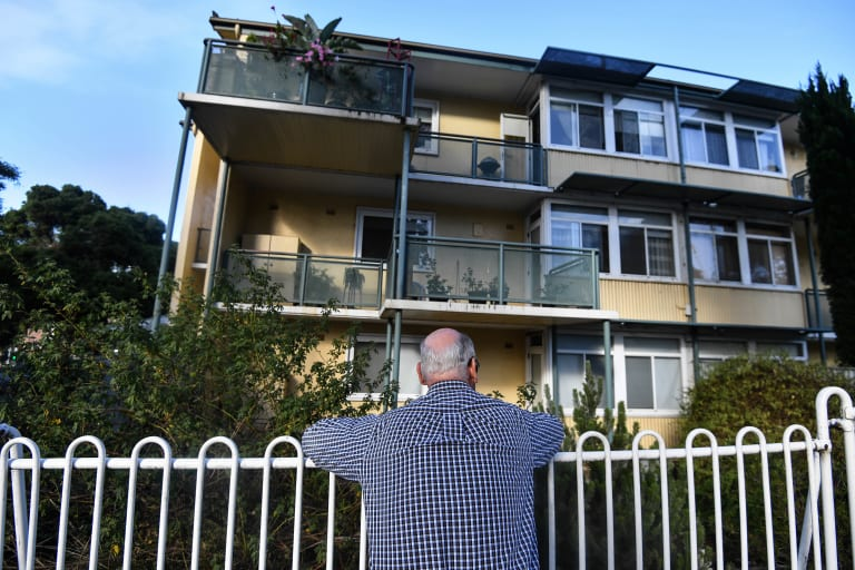 The North Melbourne estate with 112 public housing units will be replaced with 123 public and 207 private apartments.