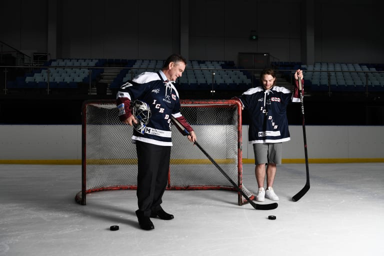 APA has thrown its support behind Australian ice hockey, with Mr McCormack building the strength of the sport nationally.