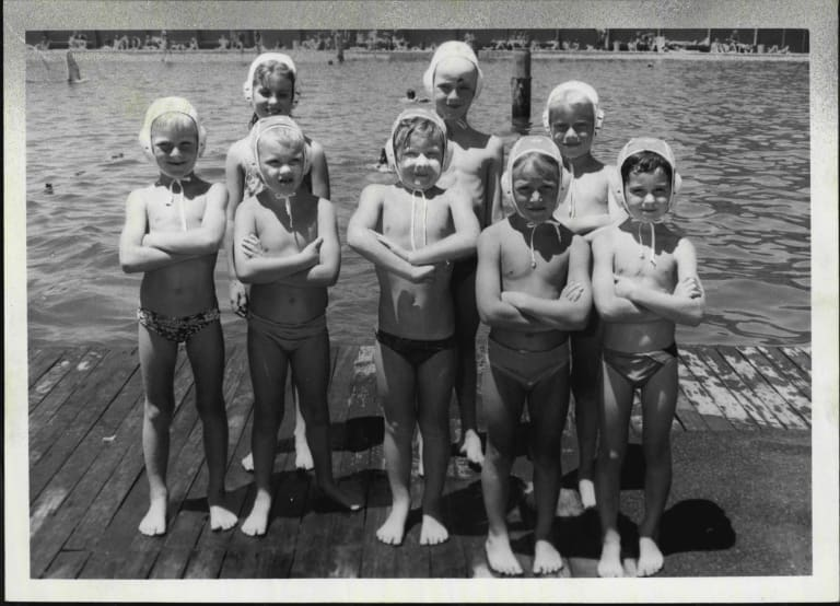 A water polo squad at Dawn Fraser Baths in 1985.