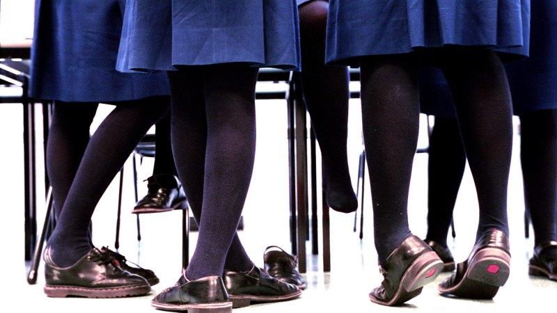 Pornographic Website Targeting Schoolgirls Exposes -7000
