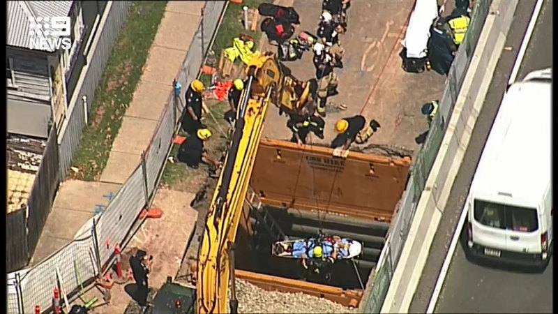 Man rescued after falling down hole at Woolloongabba worksite