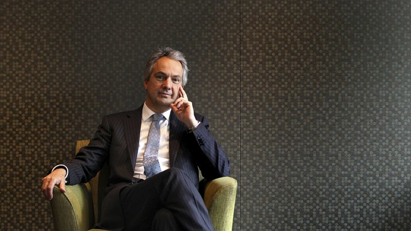 macquarie group warns on deal completion rates  confidence