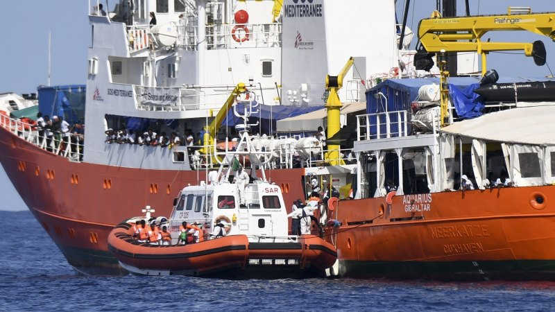 Spain Rescues More Than 900 Boat Migrants