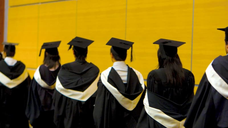 Queensland university boasts best graduate salary in country