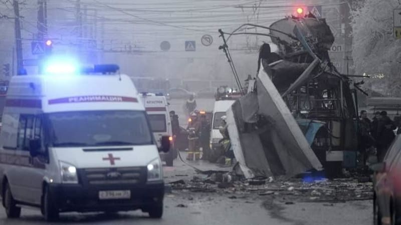Russia steps up security after second Volgograd blast kills at least 10