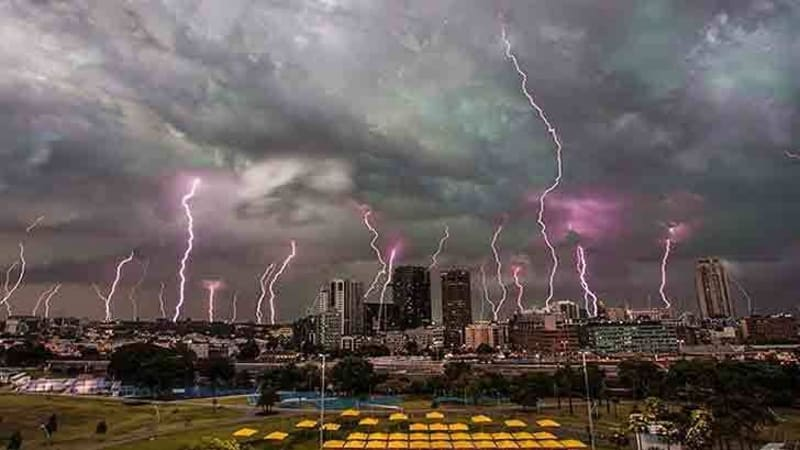 Sydney weather: The picture that captures story of city's early-season tempests