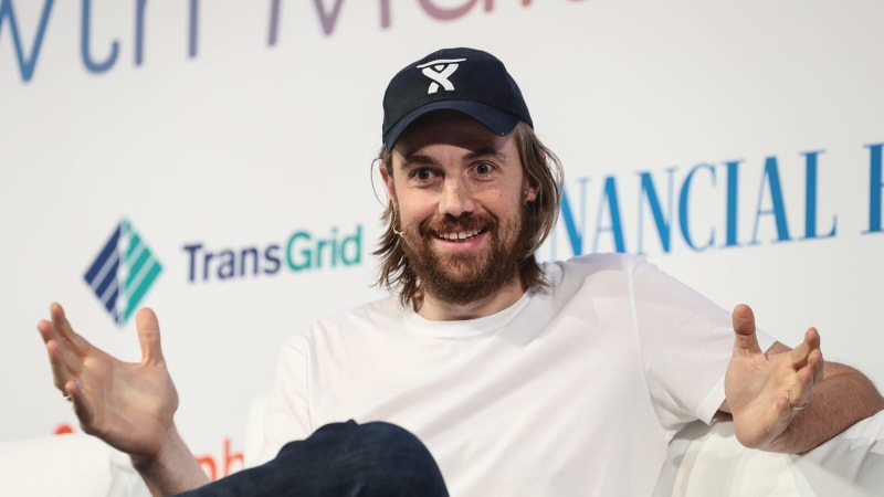 Atlassian co-founder Mike Cannon-Brookes asks Elon Musk for 'mates rates' in Tesla's Aussie energy plan