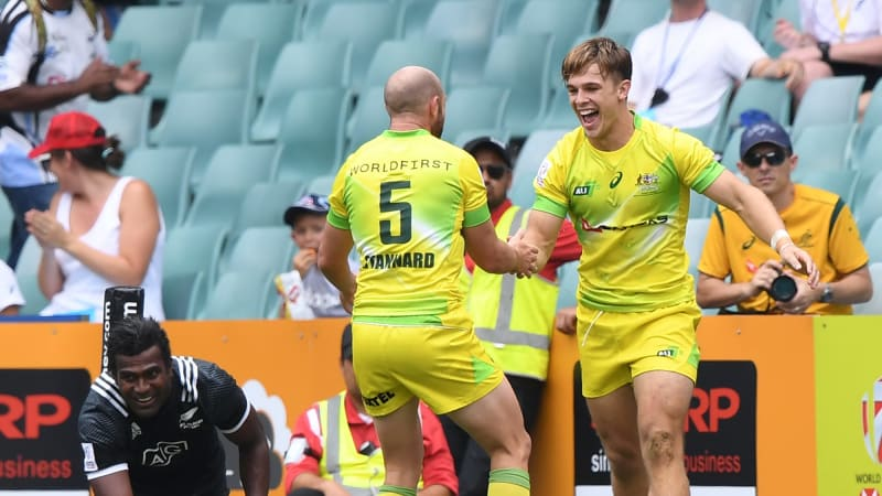 Sydney Sevens: Longbottom scores try with first touch as ...