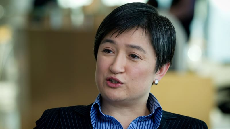 Penny wong welcomes second child thecheapjerseys Gallery