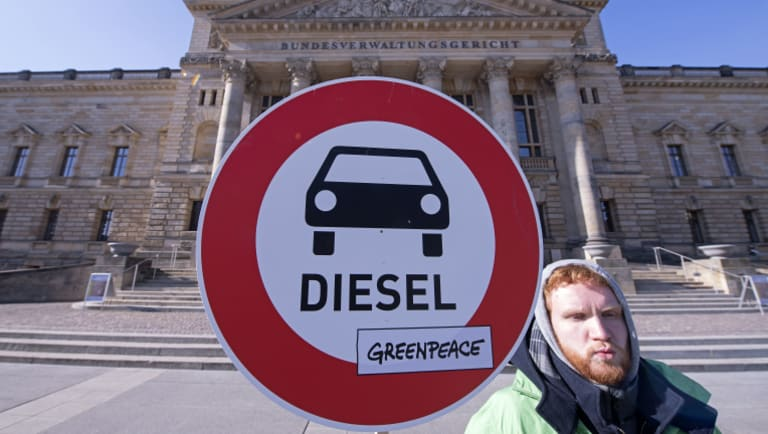 Anti-diesel Protesters outside the court in Leipzig.