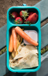 A packaging-lite lunch box.
