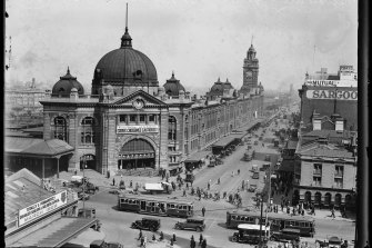 Flinders Street Station in 1929.