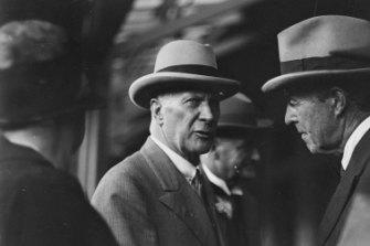 Sir Edgar Bertram Mackennal, designer of the Cenotaph, ca. 1926.