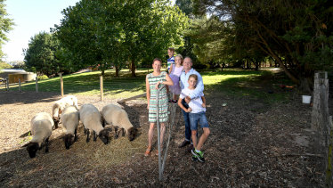 Architect Matthew Dwyer and his family moved from East Malvern to Bendigo in search of a lifestyle change.  Left to right: Kristy, Jack, Lucy, Matthew and Willem.