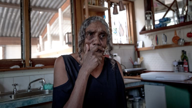 Maria Edwards is desperate to see her grandchildren.