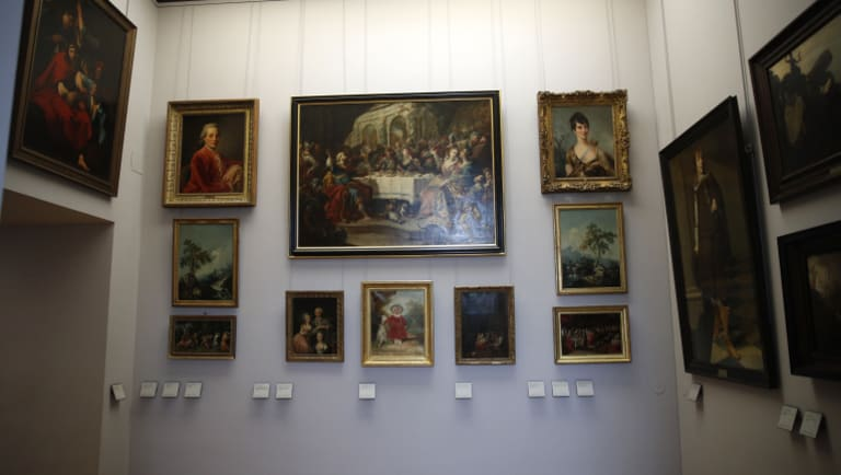 In a move aimed at returning work of art looted by Nazis during World War II, the Louvre museum has opened two showrooms with 31 paintings on display which can be claimed by their legitimate owners.