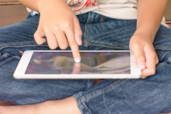 New guidelines outline the best use of devices by parents and educators, as well as children.