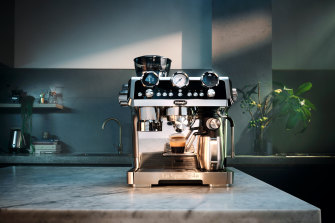 The De'Longhi La Specialista Maestro is a manual machine with a lot of automation.