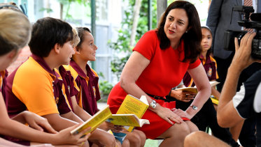 Queensland Premier Annastacia Palaszczuk talking to students at Edge Hill State Primary School in Cairns.