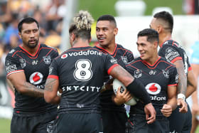 Warriors turn on style to outclass Titans in Auckland