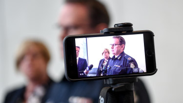 Police Minister Lisa Neville and Assistant Commissioner Ross Guenther unveil the new Fixated Threat Assessment Centre.