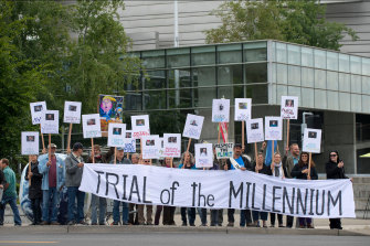 Outside an Oregon courthouse, supporters of the Juliana case protest against the US government.