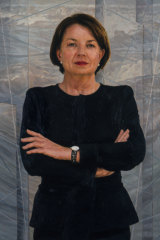 Artist Julie Fragar's official portrait of Anna Bligh, which now hangs in the Queensland Parliament.
