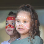 How two Queensland women brought an Indigenous language back from the 'dead'